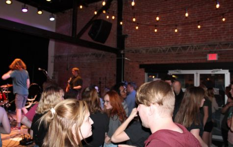 Shindig, ya dig: Local event benefits Lighthouse
