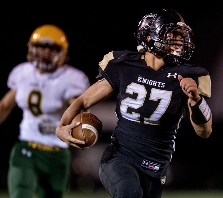 %22Lincoln+Southeast%27s+%5Bsenior+running+back%5D+Jaden+Davis+%2827%29+scores+the+game-winning+touchdown+late+in+the+fourth+quarter+against+Pius+X+on+Thursday%2C+Oct.+%5B4%5D%2C+2018%2C+at+Seacrest+Field.%22